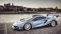 VIDEO - L'Arrinera Hussarya GT en balade dans les rues de Varsovie