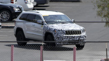 2014 Jeep Grand Cherokee SRT8 facelift spied