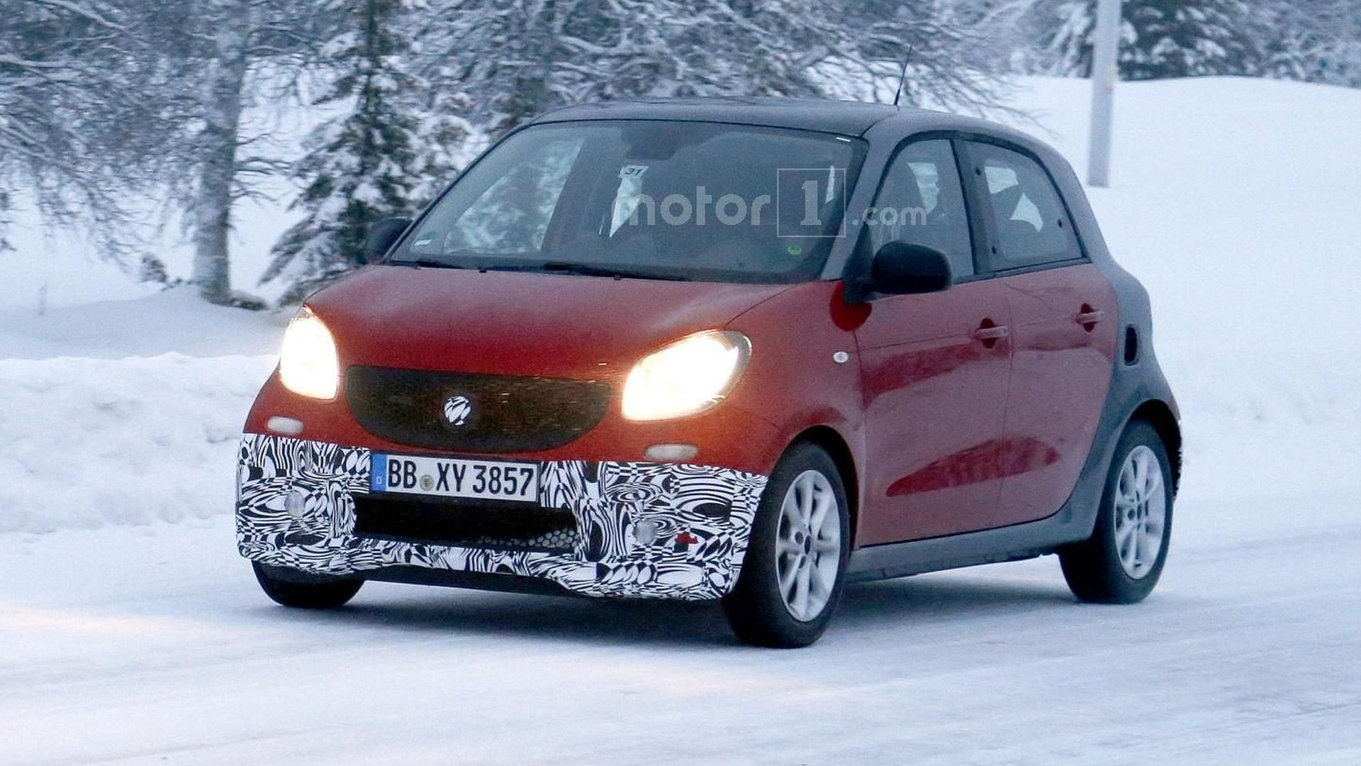 Smart ForTwo & ForFour by Brabus spied during winter test