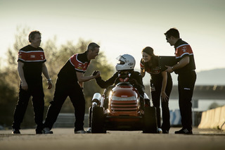 Honda Breaks A World Speed Record…On a Lawnmower [video]