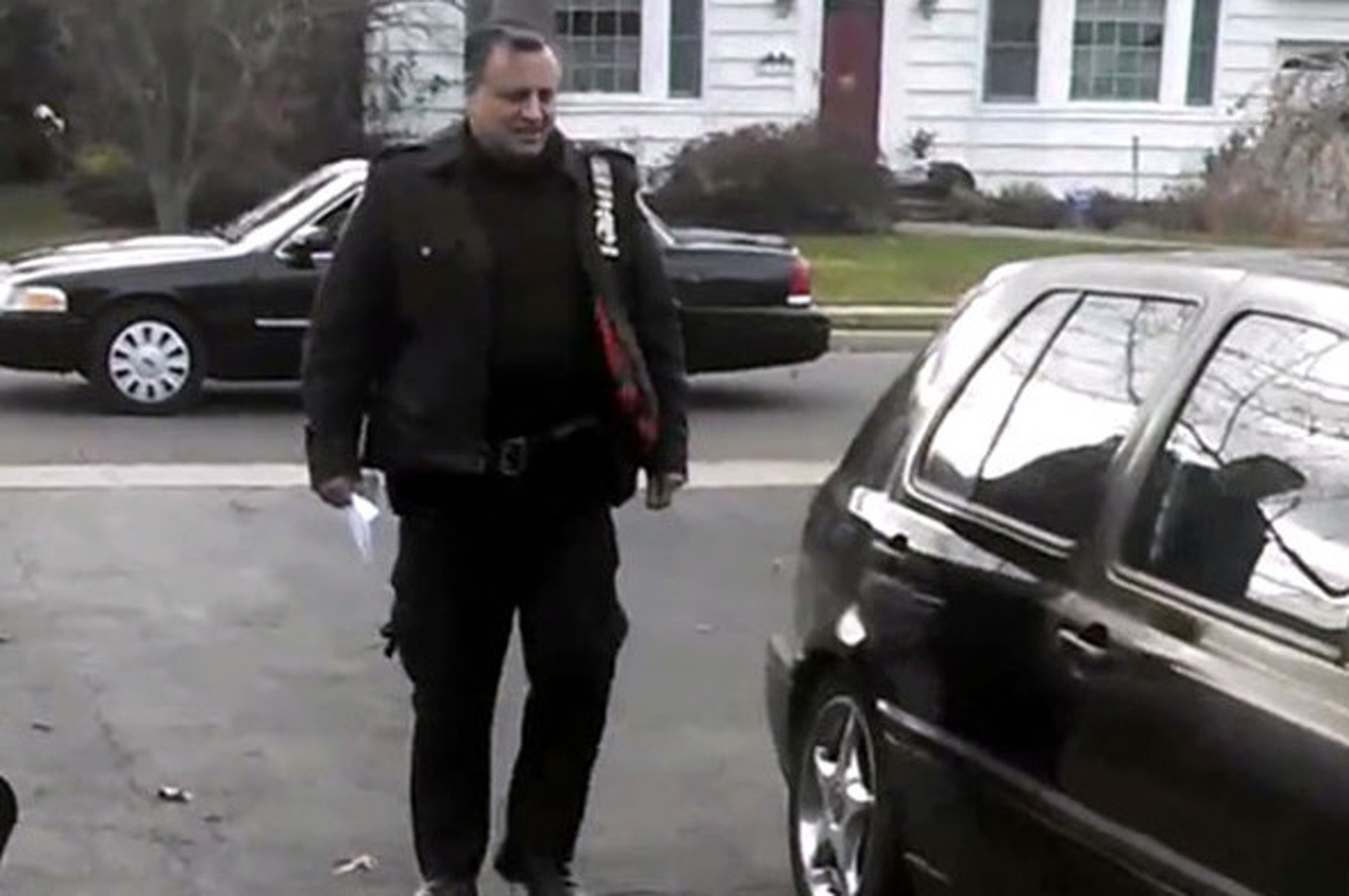 Police Threatens to Ticket Man for Washing Car in His Own Driveway [video]