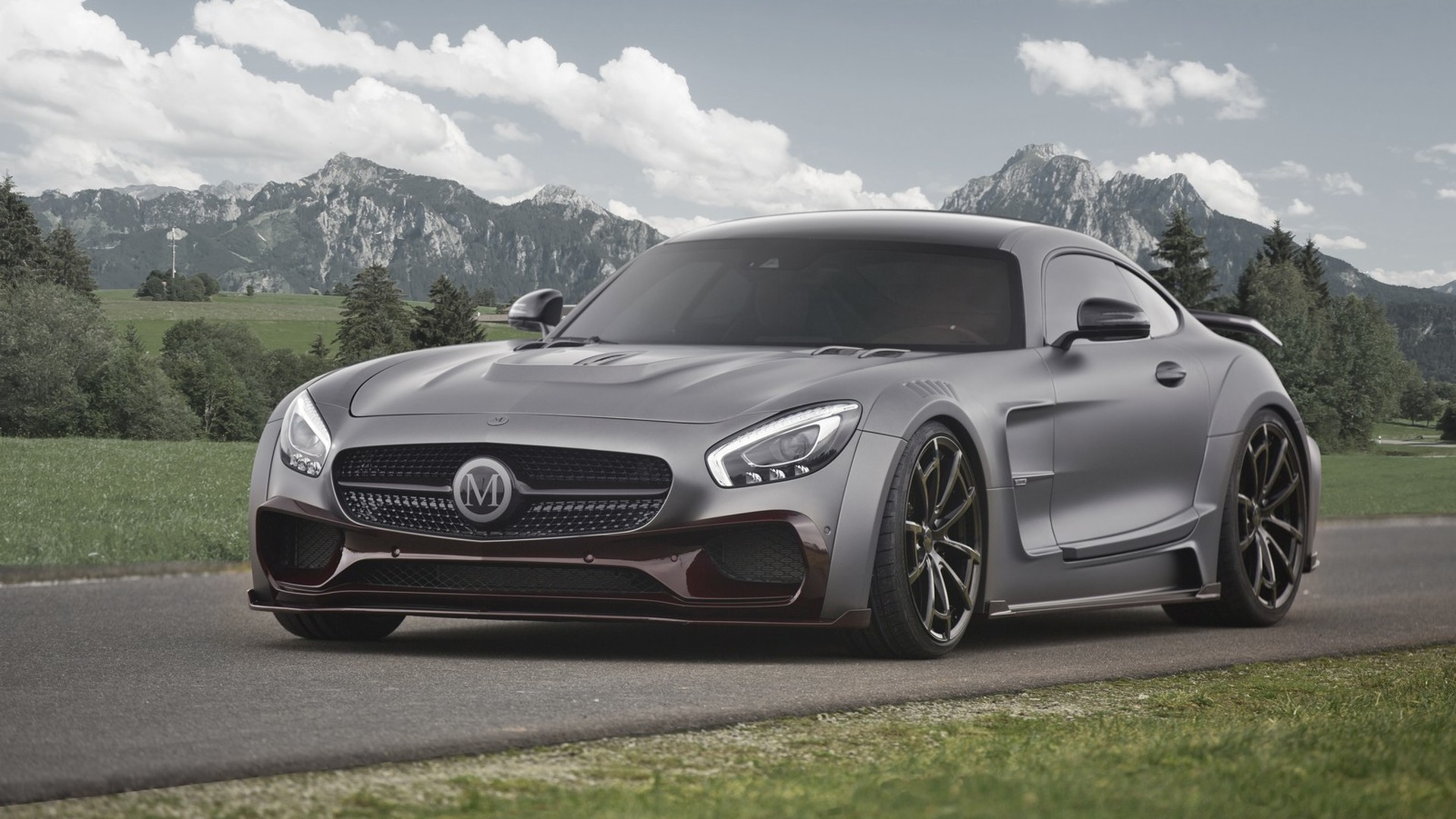 Mercedes-AMG GT S tuned to 730 hp by Mansory