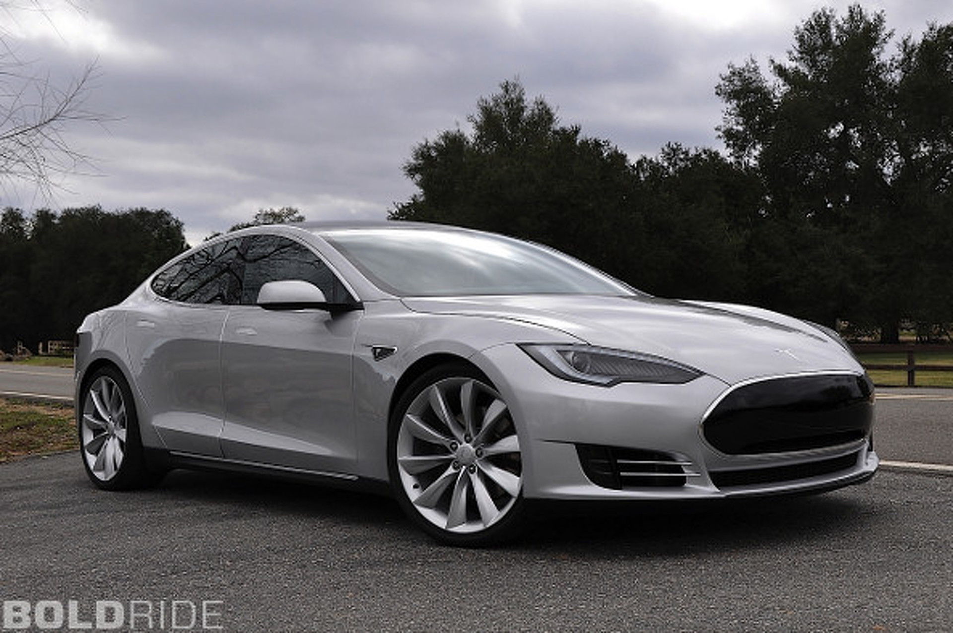 Consumer Reports Gives Tesla Near-Perfect Score