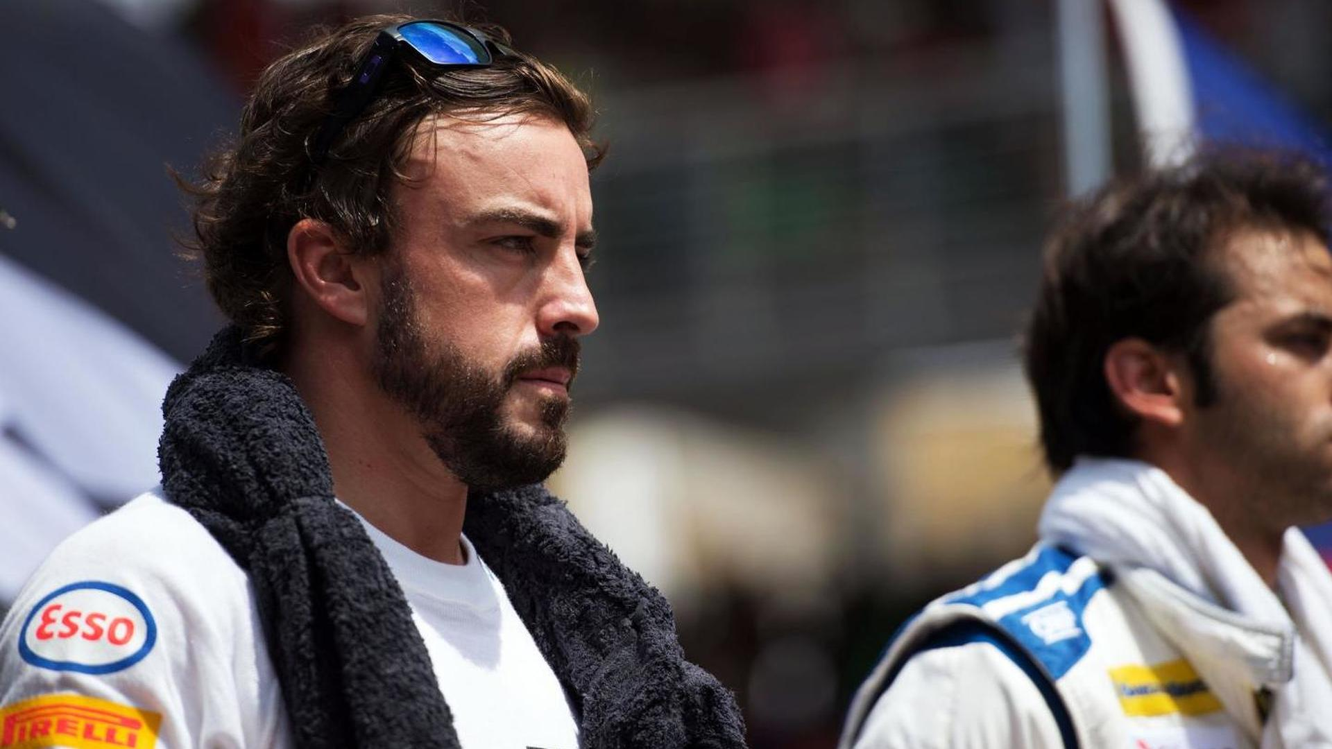 Spaniards defend Alonso after McLaren switch