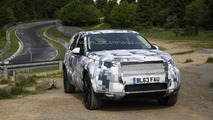 Land Rover Discovery Sport spied up close and personal