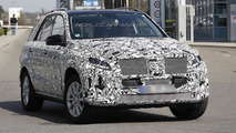 Facelifted Mercedes-Benz M-Class spied once more