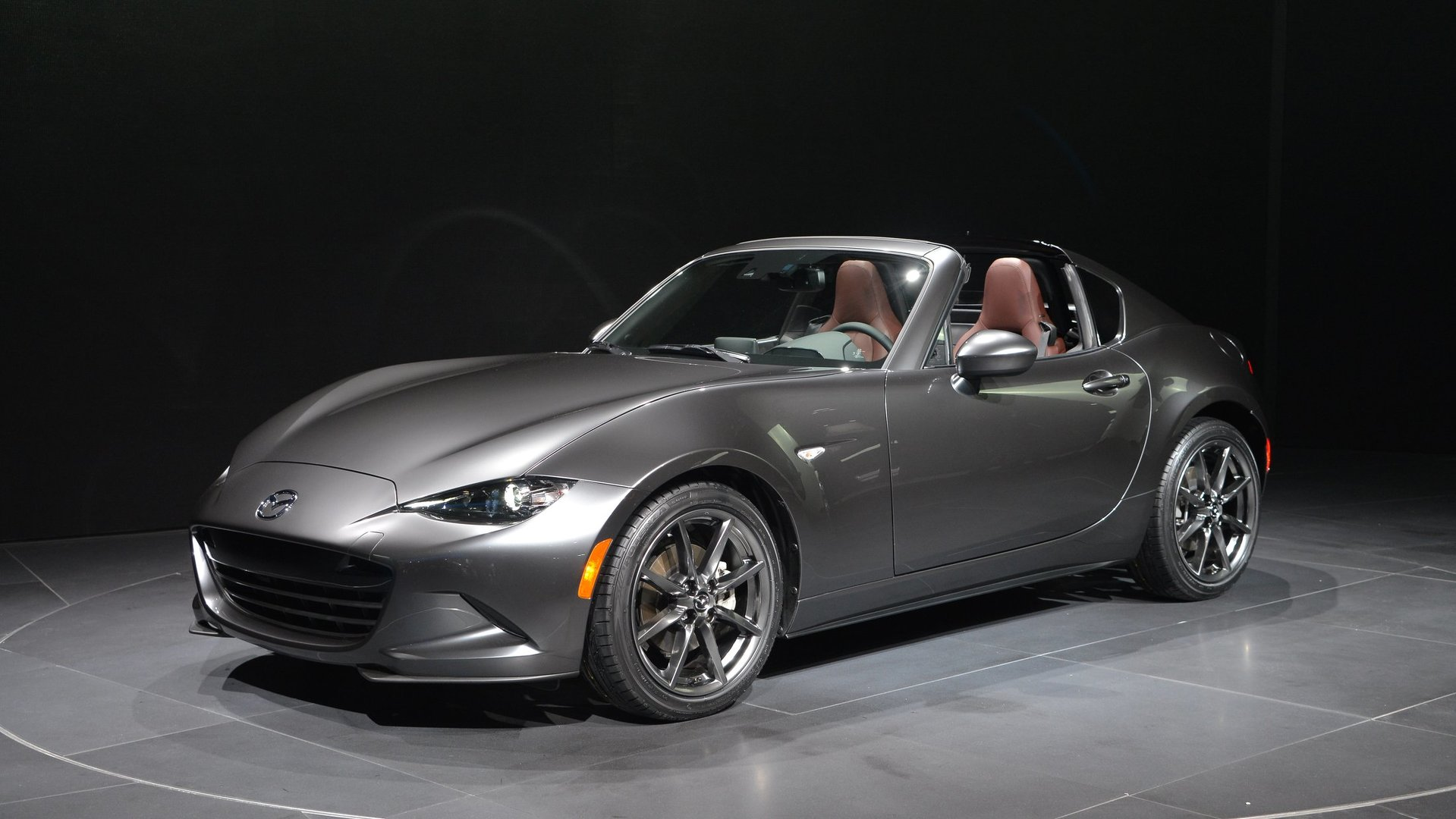 mazda mx 5 rf arrives in new york with retractable hardtop video. Black Bedroom Furniture Sets. Home Design Ideas