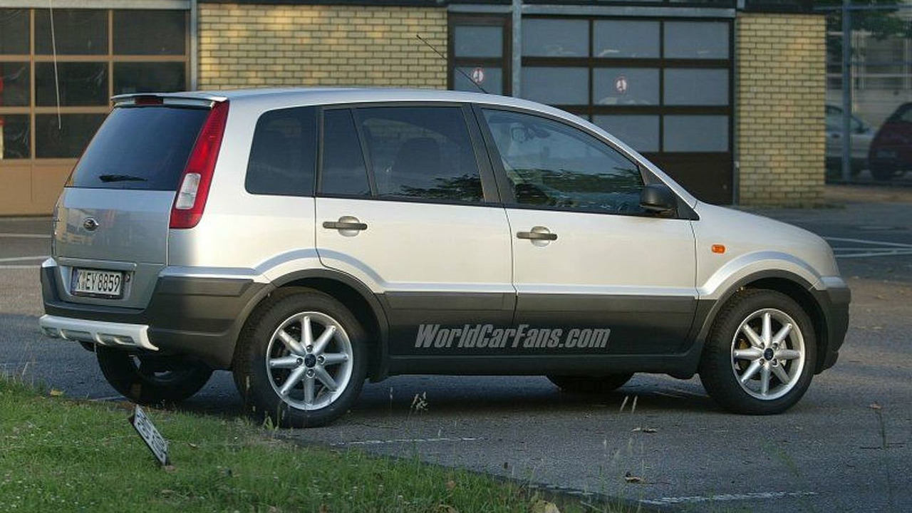Ford Fusion SUV Spy Photo