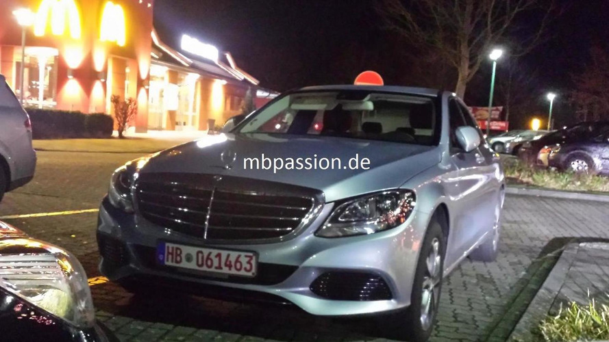 2014 Mercedes-Benz C-Class Exclusive Line sans LED headlights caught in live pics