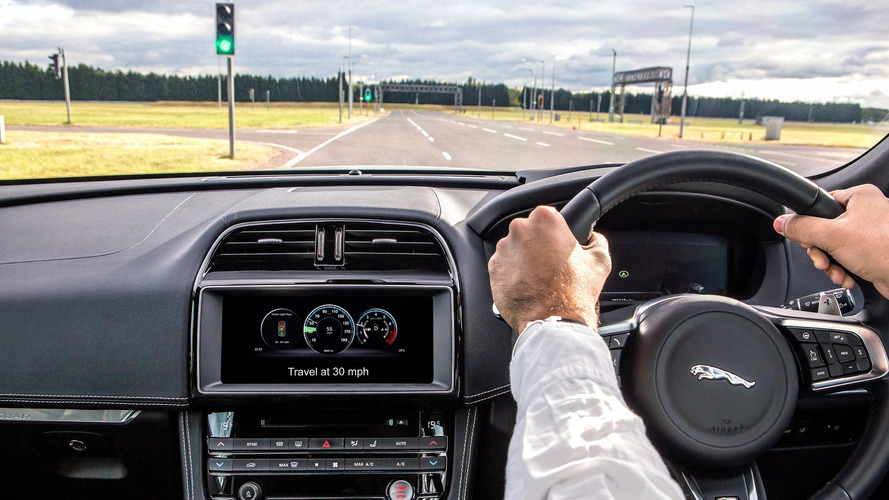 Ford, JLR testing synchronized green light tech in UK