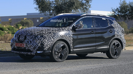 Nissan Qashqai facelift spied with camouflaged wheels