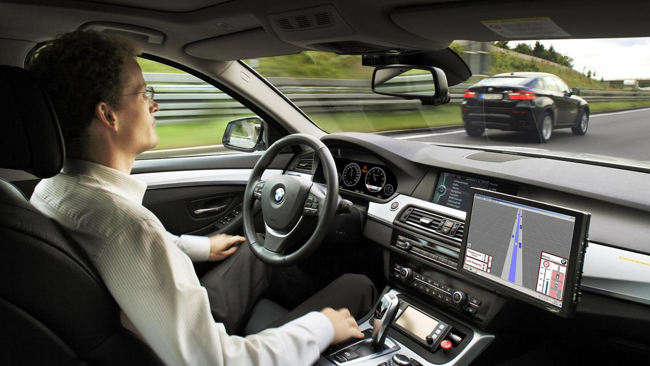 BMW 5-Series with ConnectedDrive Connect - 30.8.2011