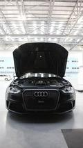 Audi RS4 Avants play paintball [videos]