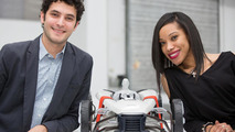 """Students Cherica Haye und Nir Siegel from the Royal College of Art in London with their """"Suit"""" concept 26.11.2012"""