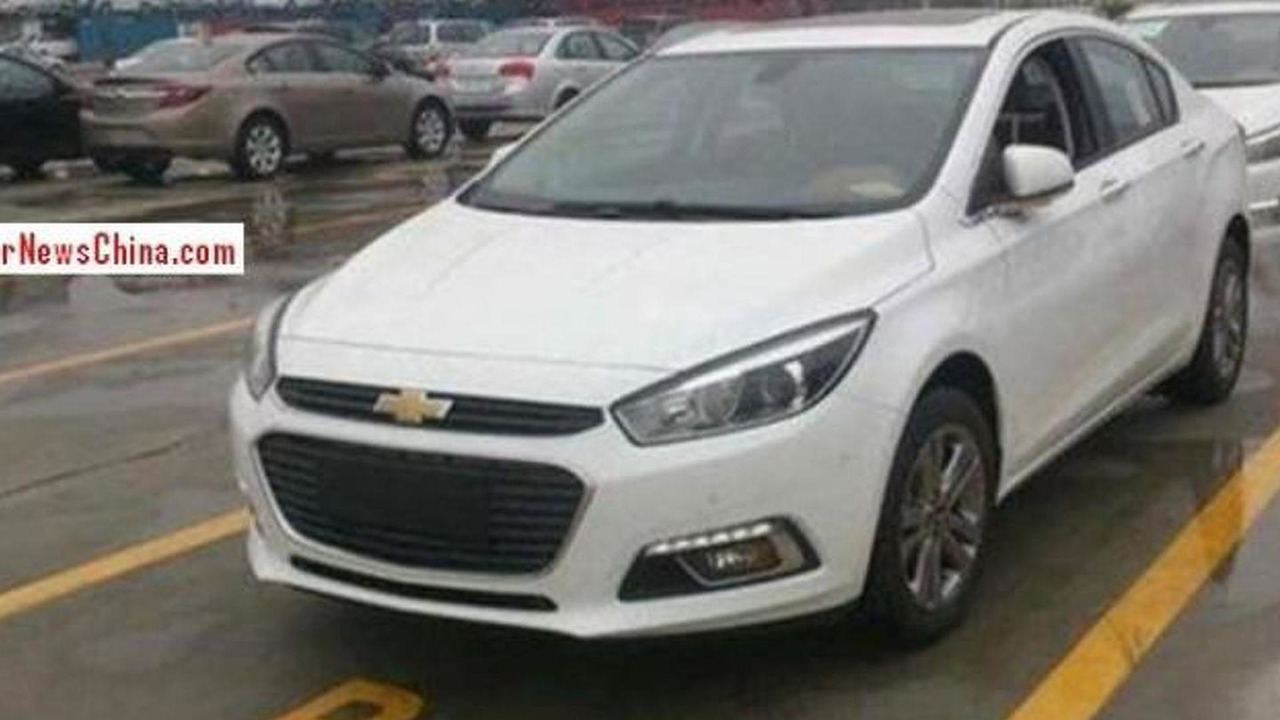 2015 Chevrolet Cruze spy photo