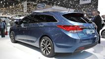 Hyundai i40 live in Geneva - 01.03.2011