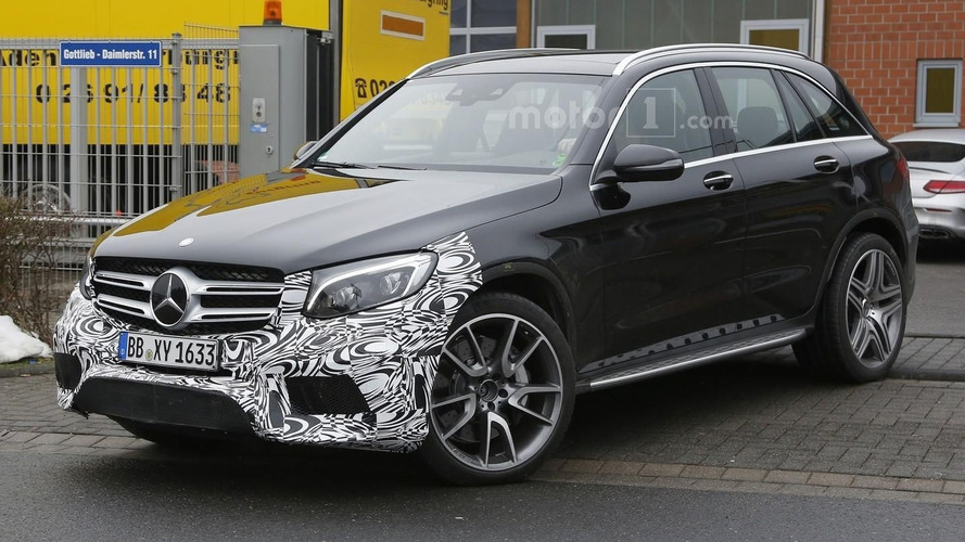 Mercedes-AMG GLC 63 roars V8 engine on camera