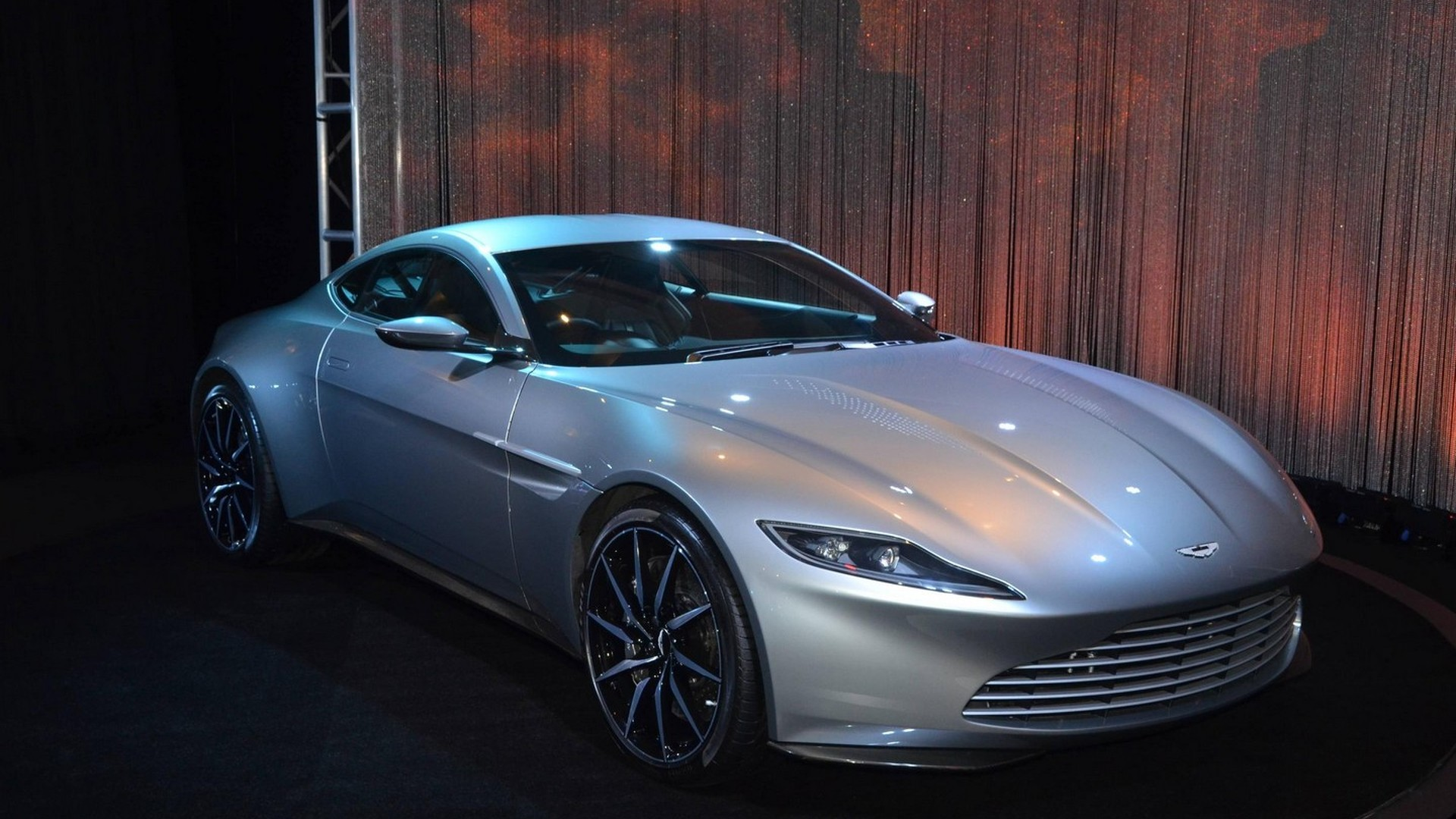 James Bond visits LA to show off Aston Martin DB10