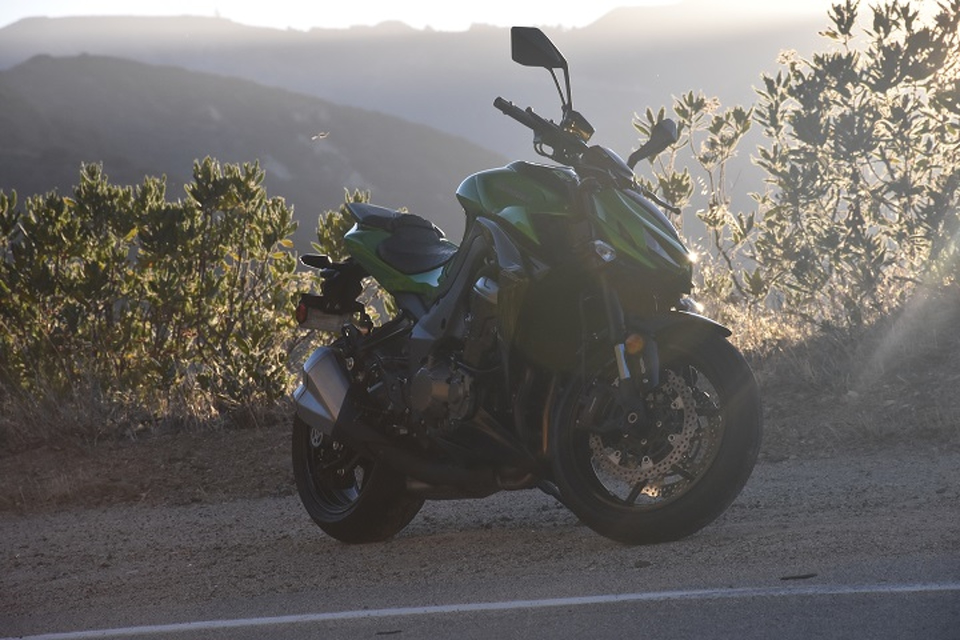 The Kawasaki Z1000 Is the McLaren 650S Spider Of Superbikes: Review