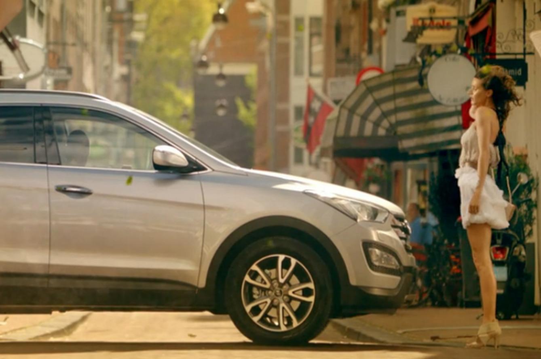 Hyundai Amsterdam Horny for Santa Fe Sales