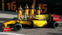Renault R30 launch, Jerome D'Ambrosio (BEL), Test Driver, Robert Kubica (POL), Vitaly Petrov (RUS), Ho-Pin Tung (CHN), Valencia, Spain, 31.01.2010