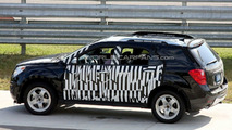 Chevrolet Equinox Spied With a Little Less Camoflage