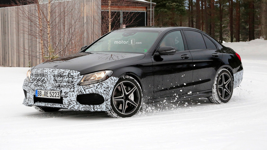 Mercedes-AMG C43 sedan spied showing off a minor facelift