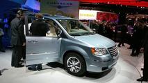 2008 Chrysler Town & Country and Dodge Grand Caravan Minivans