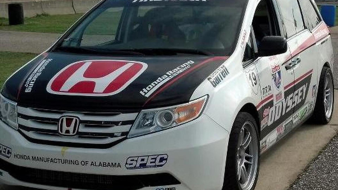 Honda Odyssey minivan for Pikes Peak Hill Climb - low res - 06.6.2013