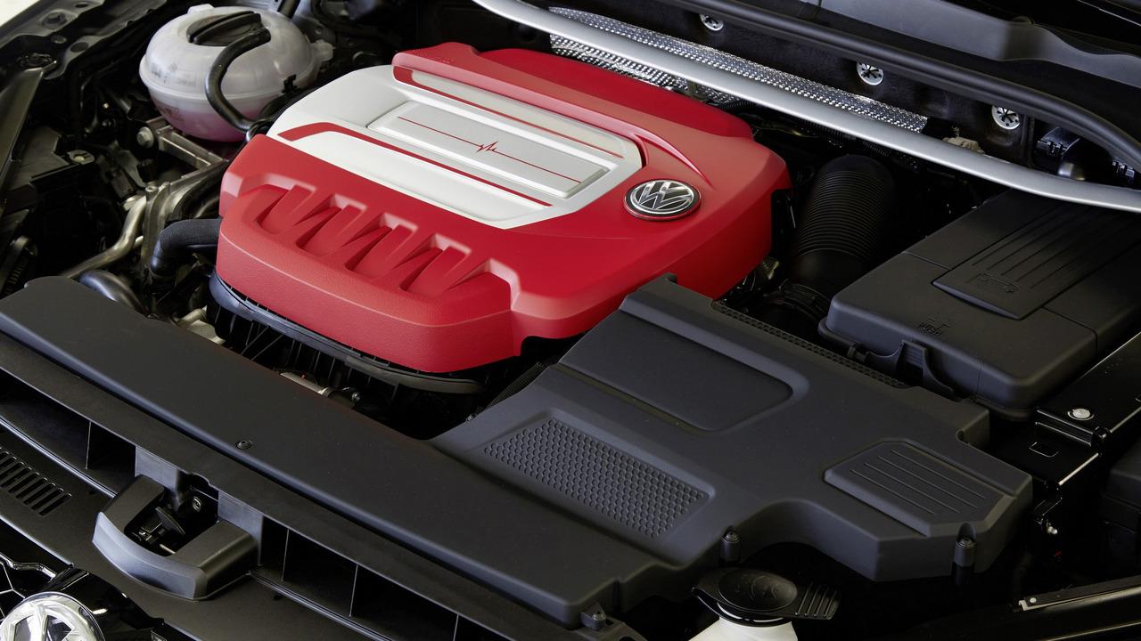 VW Golf R Variant Performance 35