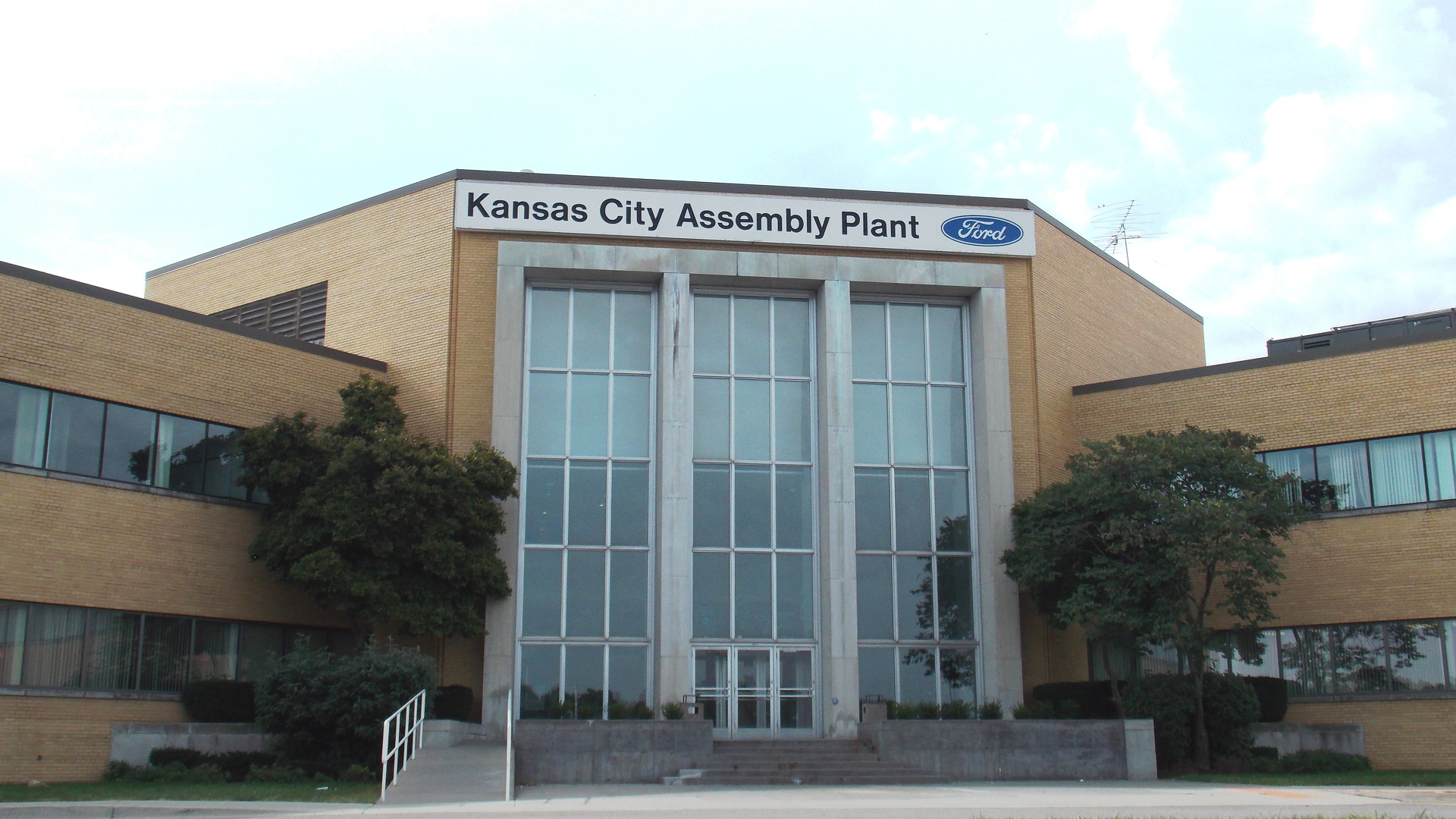 Ford worker murdered while leaving Kansas City factory