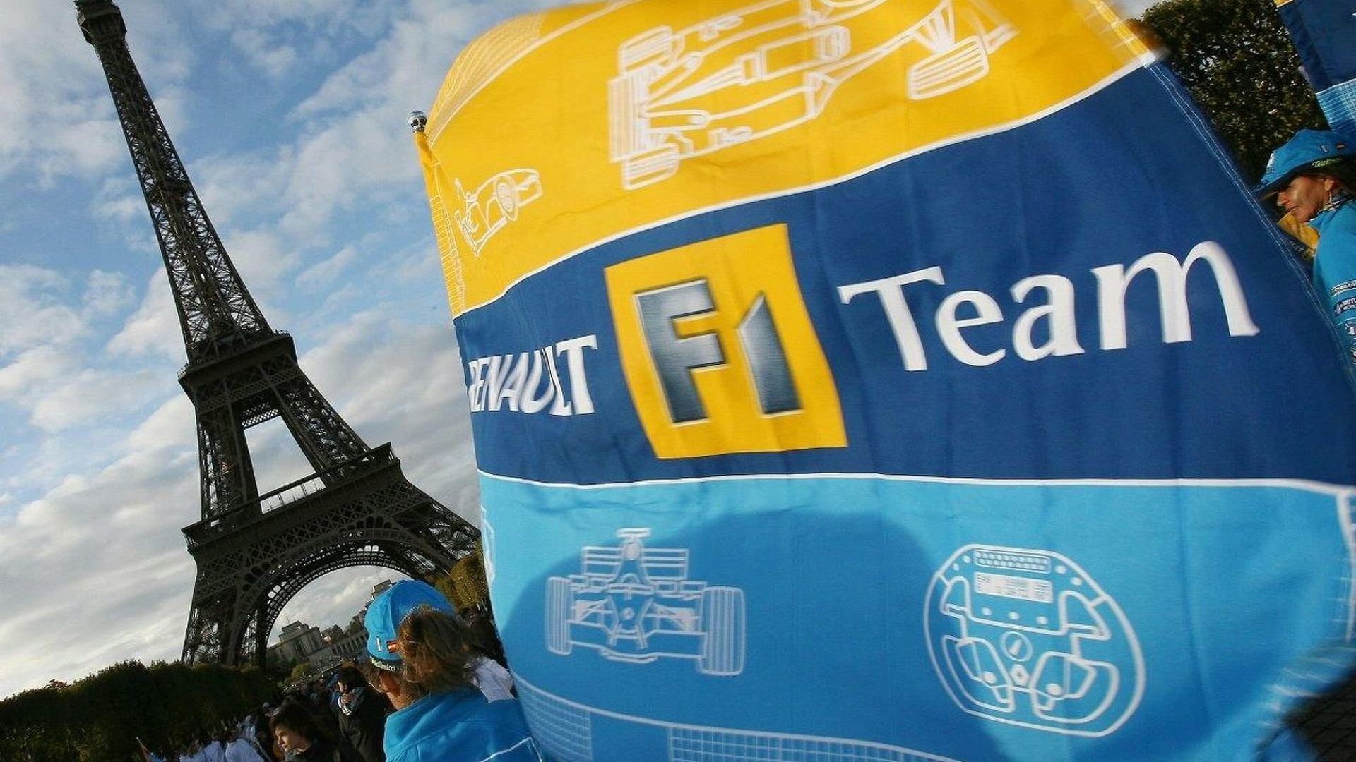 Renault considers buying F1 team - report