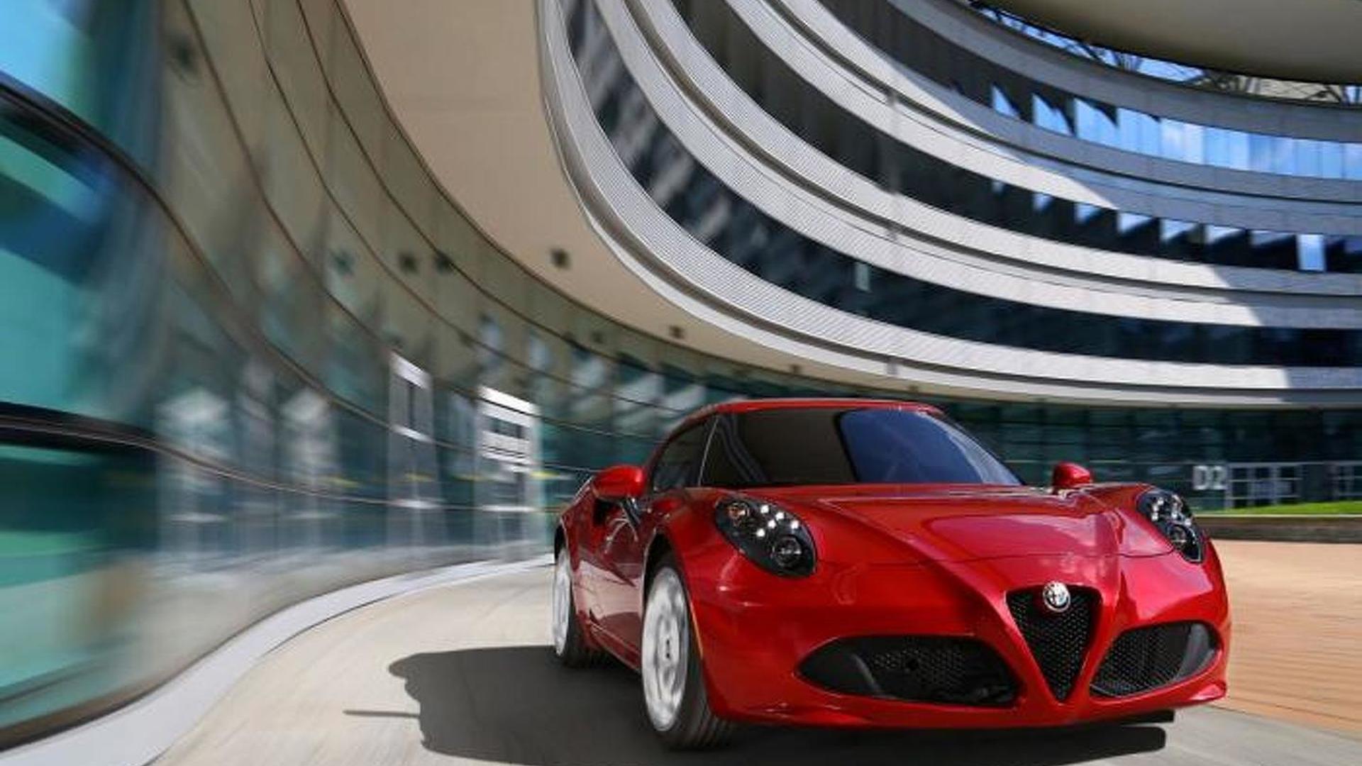 Alfa Romeo 4C plays its raspy soundtrack on video