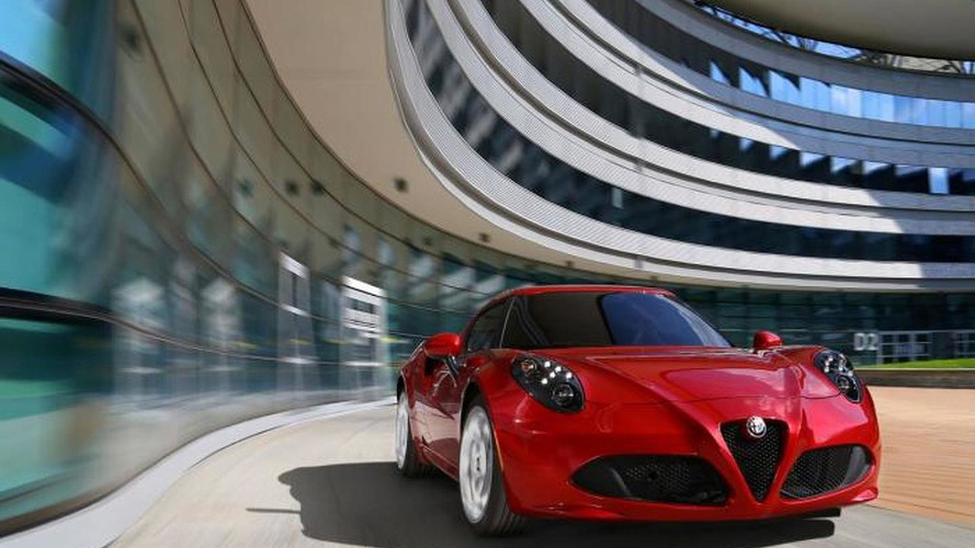 Alfa Romeo 4C plays its raspy soundtrack on video
