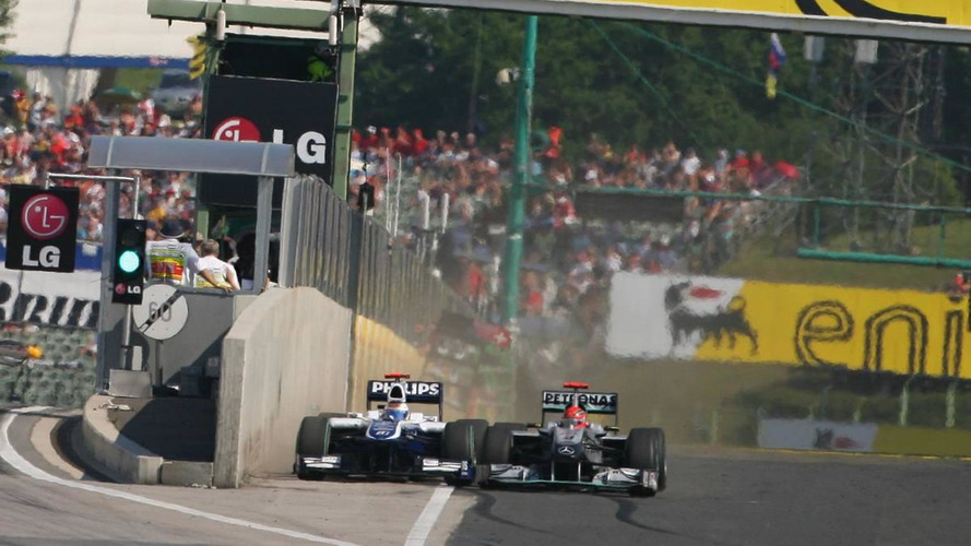 Schumacher did not apologise personally - Barrichello
