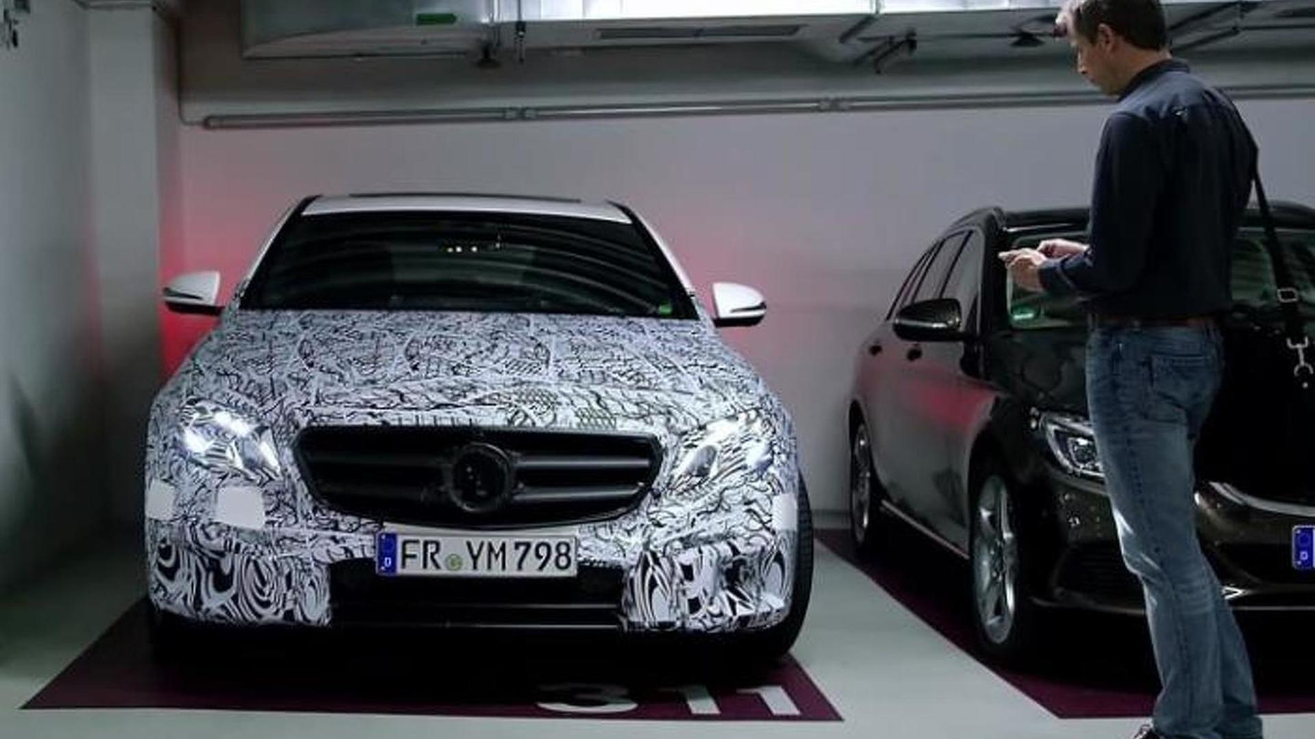 2017 mercedes e class remote parking pilot system for Mercedes benz parking