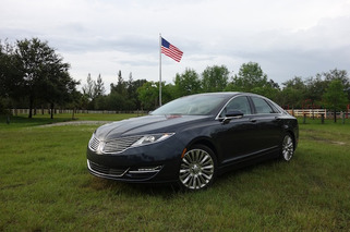 2013 Lincoln MKZ Review: Putting Lipstick on a Fusion