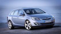 2011 Opel Astra Sports Tourer first official photos 16.06.2010