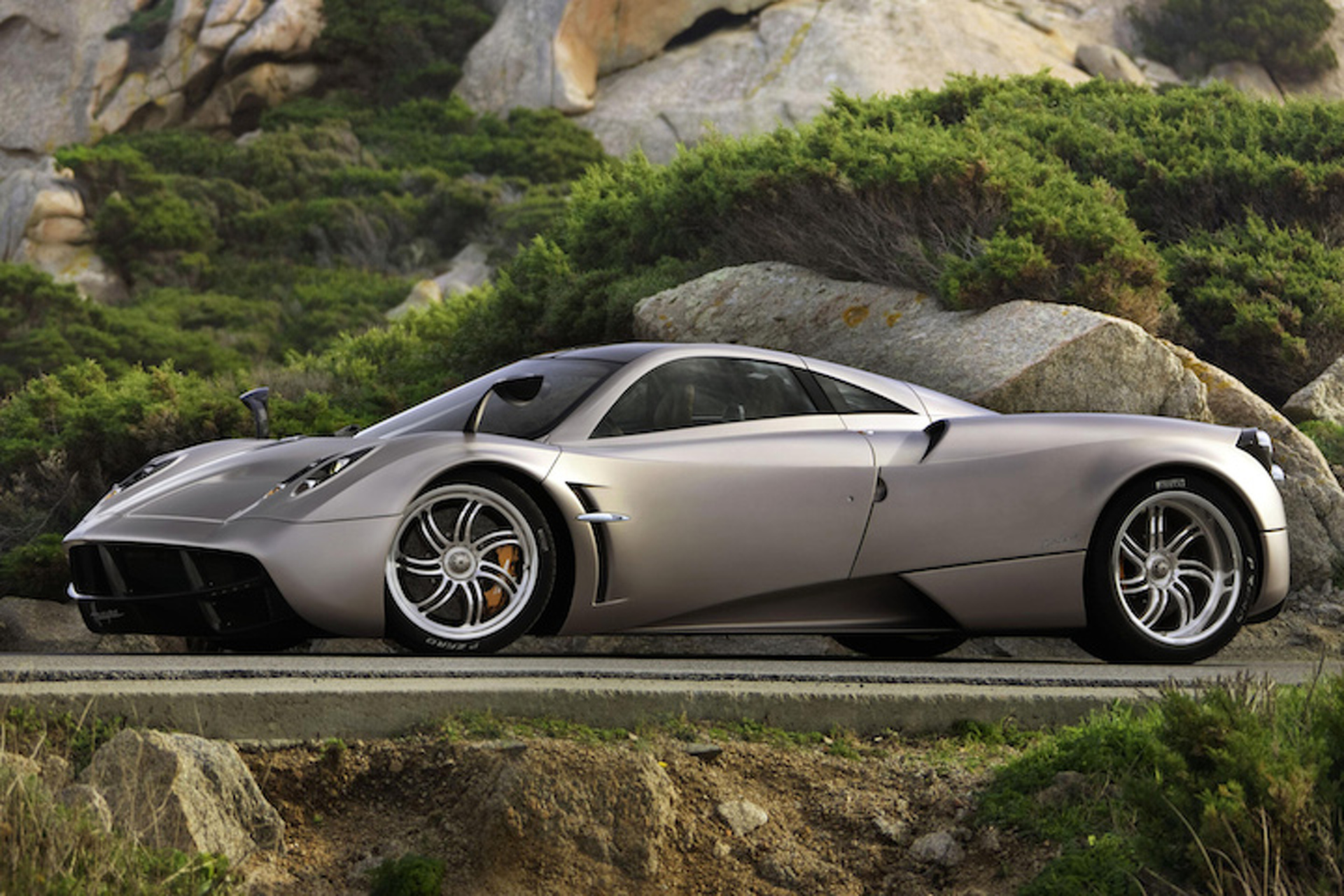 The Pagani Huayra Will Go Topless at Pebble Beach
