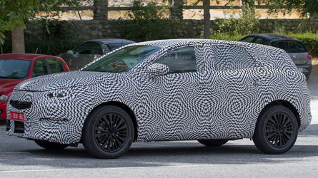 2018 Peugeot 2008 spy photos