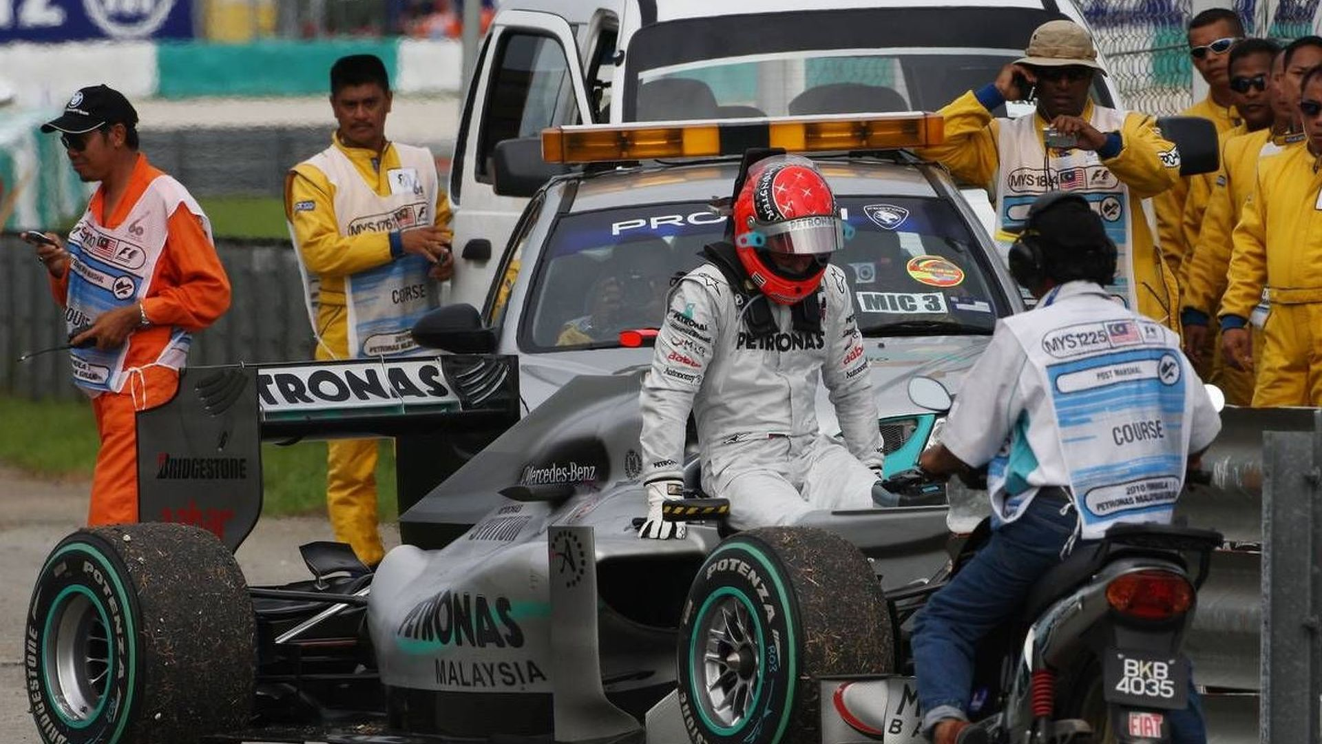 Haug denies Schumacher could end F1 comeback