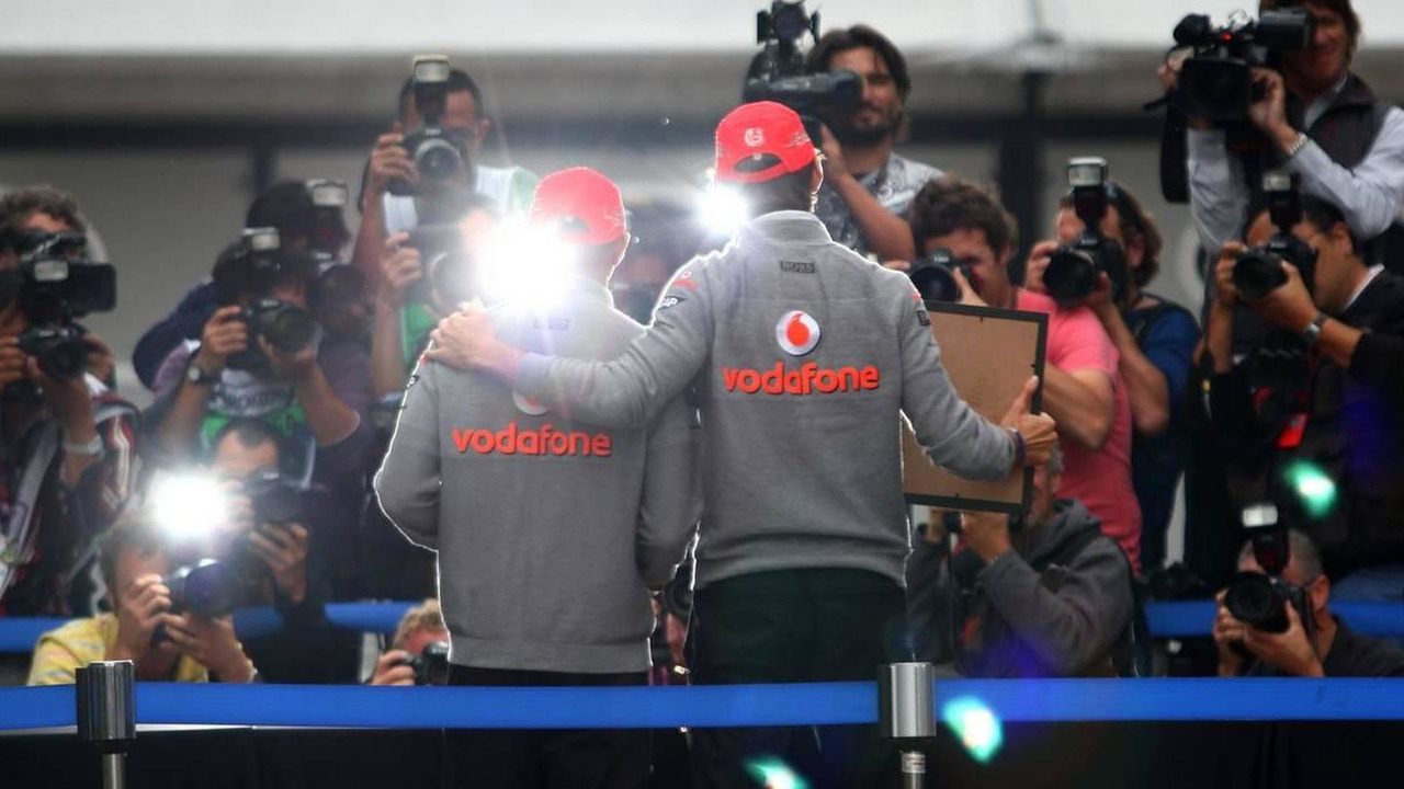 Lewis Hamilton (GBR), McLaren Mercedes, Jenson Button (GBR), McLaren Mercedes, hand printing session - Formula 1 World Championship, Rd 17, Korean Grand Prix, 23.10.2010 Yeongam, Korea