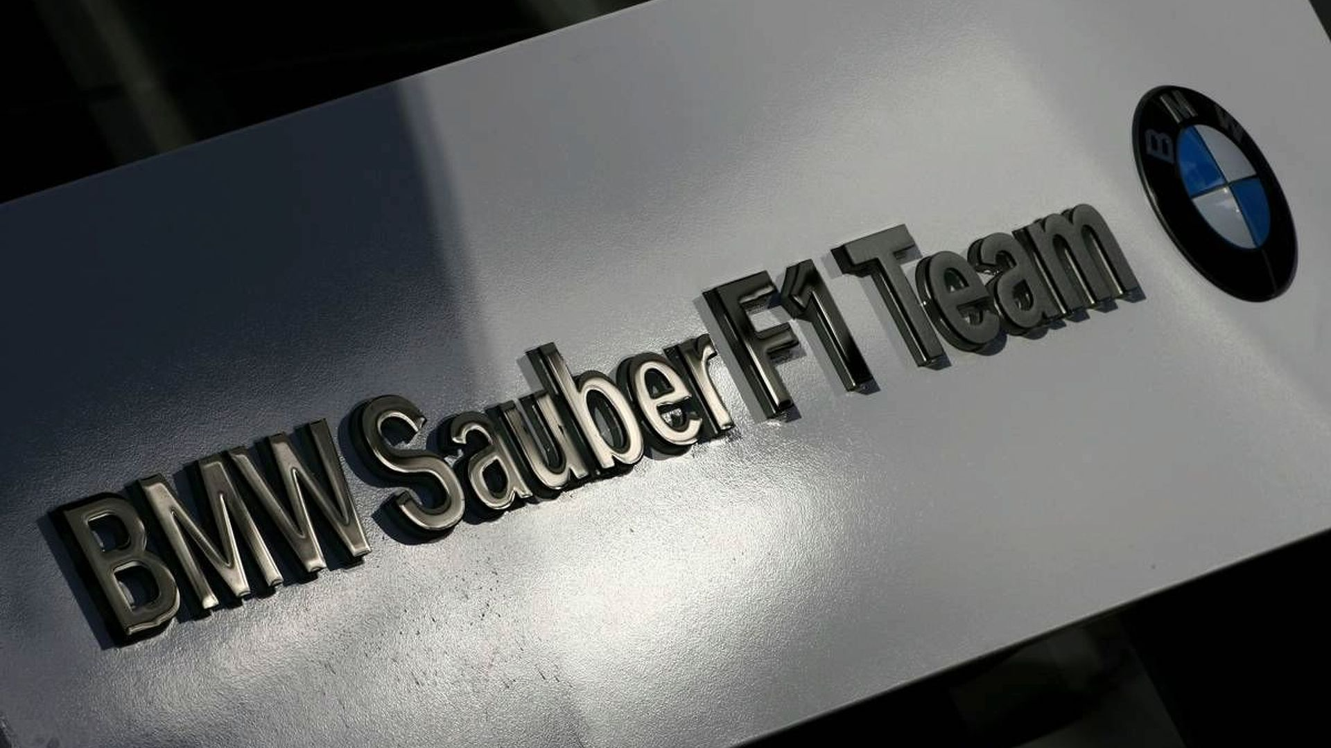 Sauber's Qadbak takeover to collapse - report