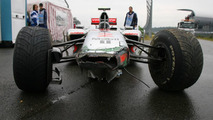 'Heavy' damage after Hamilton crash on wet track