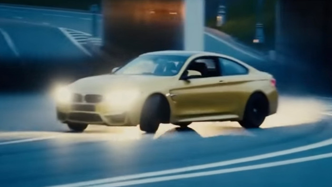 BMW M4 drifting in Moscow