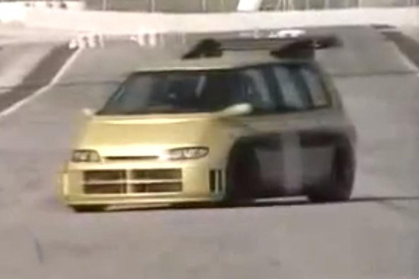 Video: Renault Espace F1- The Original Insane Renaultsport Creation