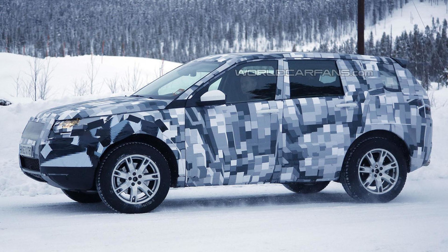 2015 Land Rover Freelander spied in Scandinavia