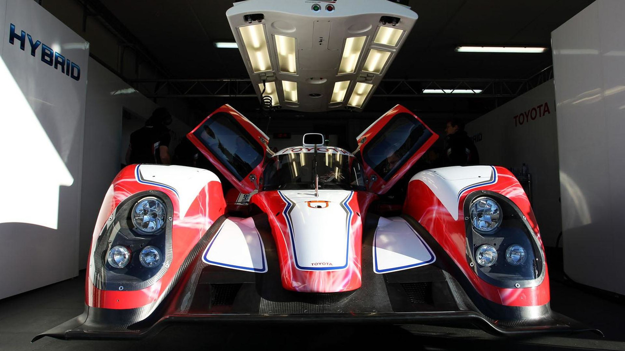 Toyota TS030 HYBRID Le Mans race car 24.1.2012