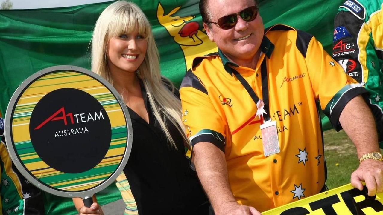 Alan Jones (AUS), Seat Holder of A1 Team Australia - A1GP World Cup of Motorsport 2007/08, Round 10, Brands Hatch, 04.05.2008 Fawkham, England
