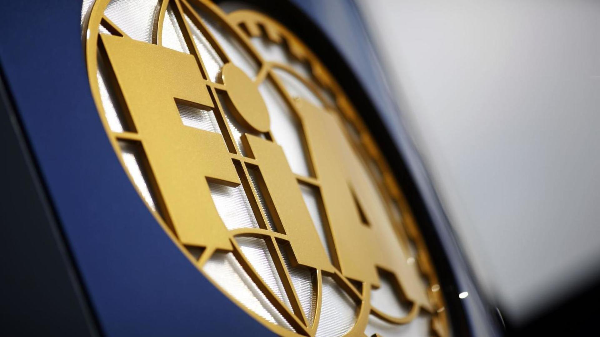 F1 'negativity' to delay floatation plans again